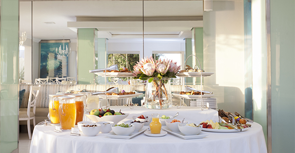 BREAKFAST AT THE PLETTENBERG